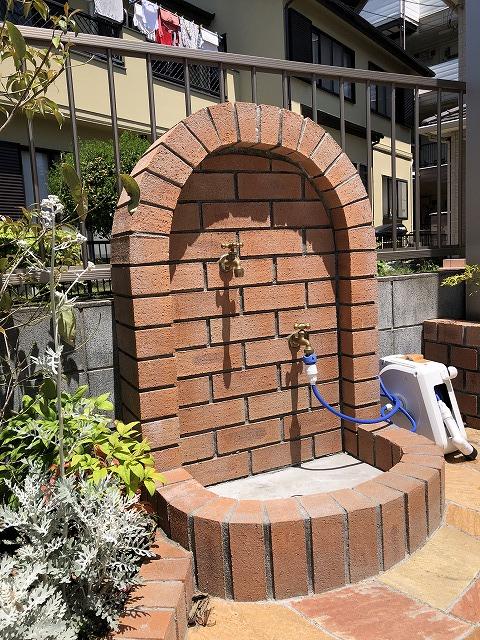 レンガ造作水栓