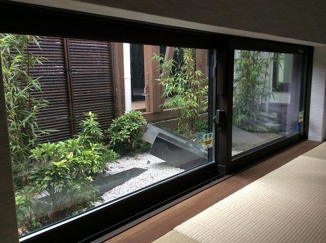 和室からの坪庭